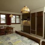 Hotel Pictures: Hôtel-Gîte rural à 3 km de Delémont, Courcelon
