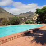 Hotel Pictures: Fewo Blaufink, Arona