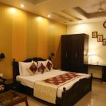 Hotel Universe Inn, New Delhi