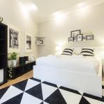 Black&White Apartment by Tyzenhauz, Kraków