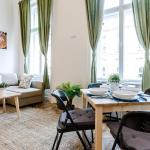 Lavender Roomy Apartment, Budapest