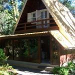 Hotel Pictures: Chalé dos Pinheiros, Canela