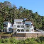 Sunlit, Kandy