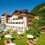 Hotellikuvia: Hotel Alpina Wellness & Spa Resort, Kössen