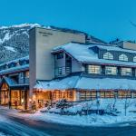 Hotel Pictures: The Listel Hotel Whistler, Whistler
