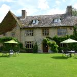 Hotel Pictures: Charney Manor, Kingston Bagpuze