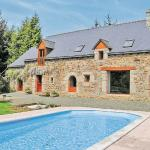 Hotel Pictures: Holiday home Plouvara with Outdoor Swimming Pool 353, Plouvara