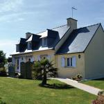 Hotel Pictures: Holiday home Tregunc 78 with Game Room, Trégunc