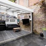 Veeve - Four Bedroom House in Kensington,  London