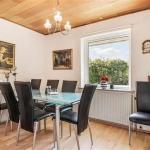 Hotel Pictures: Brynhøjvænget Villa, Tilst, Tilst