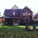 Hotel Pictures: The Maples Bed and Breakfast, Creemore