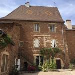 Hotel Pictures: Le Vieux Château, Leynes