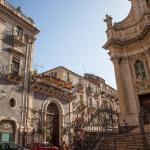 Casa Collegiata, Catania