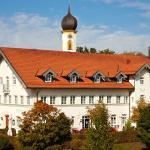 Hotel Pictures: Pfaffinger Hof, Pfaffing