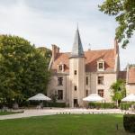 Hotel Pictures: Château - Hôtel Le Sallay, Magny-Cours