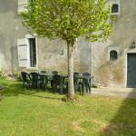 Hotel Pictures: 5 Bedroom House Vendee, Saint-Gervais-les-Trois-Clochers