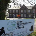 Hotel Pictures: Jersey Accommodation and Activity Centre, Gorey
