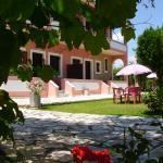 Hotel Pictures: Olga's Garden Apartments, Almiros Beach