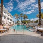 Deluxe Studios and Apartments at The Shelborne,  Miami Beach