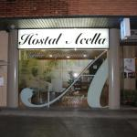 Hotel Pictures: Hostal Acella, Pamplona