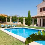 Hotel Pictures: Bassa Castellet, Llombarts