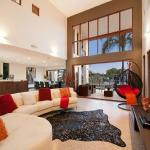 THE VILLA-WHOLE HOUSE 6 BEDROOMS 3 BATHROOMS, Gold Coast