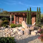 Hotel Pictures: Les Chalets de Maramour, Chazey-sur-Ain