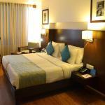 OYO Premium Jetalpur Road, Vadodara