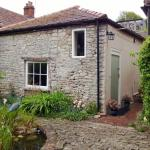 Hotel Pictures: Longbridge Cottage, Shepton Mallet