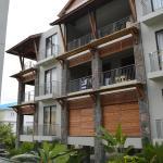 West Terraces, Flic-en-Flac