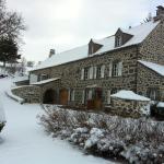 Hotel Pictures: Corps de Ferme en Auvergne, Virargues