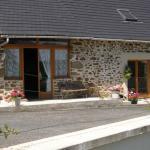 Hotel Pictures: Chambres d'Hôtes Vieille Grange, Lagraulière
