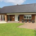 Hotel Pictures: Holiday Home Uslnis with a Fireplace 07, Gunneby