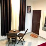 Cozy Rooms With Balcony, New Delhi