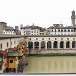 Ponte Vecchio 3 bedroom apartment, Florence