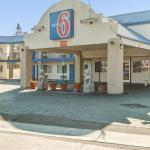 Motel 6 Visalia,  Visalia