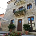 La Casa Di Babbai, Nuchis