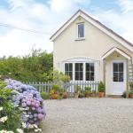 Hotel Pictures: Apple Tree Cottage, Saint Ewe
