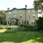 Hotel Pictures: The Wind in the Willows Country House Hotel, Glossop