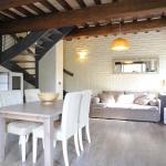 Casa Avena, Montone