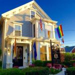 Queen Vic Guest House, Provincetown