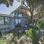 Beachfront Enclosure Bay - Waiheke Unlimited, Oneroa