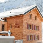 Foto Hotel: Alpin Chalet Schröcken, Schröcken
