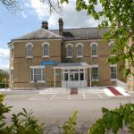 Hotel Pictures: Gatwick Cambridge Hotel, Horley