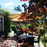 Hotel Pictures: Gibsons Garden Hotel, Gibsons