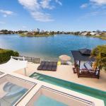 Broadbeach Waterfront Holiday House, Gold Coast