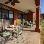 Hotel Pictures: Bougainvillea Condo 8103, Playa Conchal