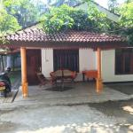 4 Rooms Guest House, Unawatuna