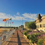 Hotel Pictures: Hotel Des Bains, Saint-Cast-le-Guildo