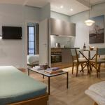 Contemporary Saint Sauveur One Bedroom Apartment, Paris